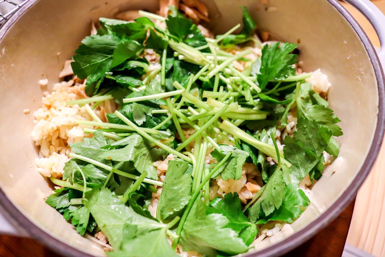 /お鍋で作る秋鮭の炊き込みご飯