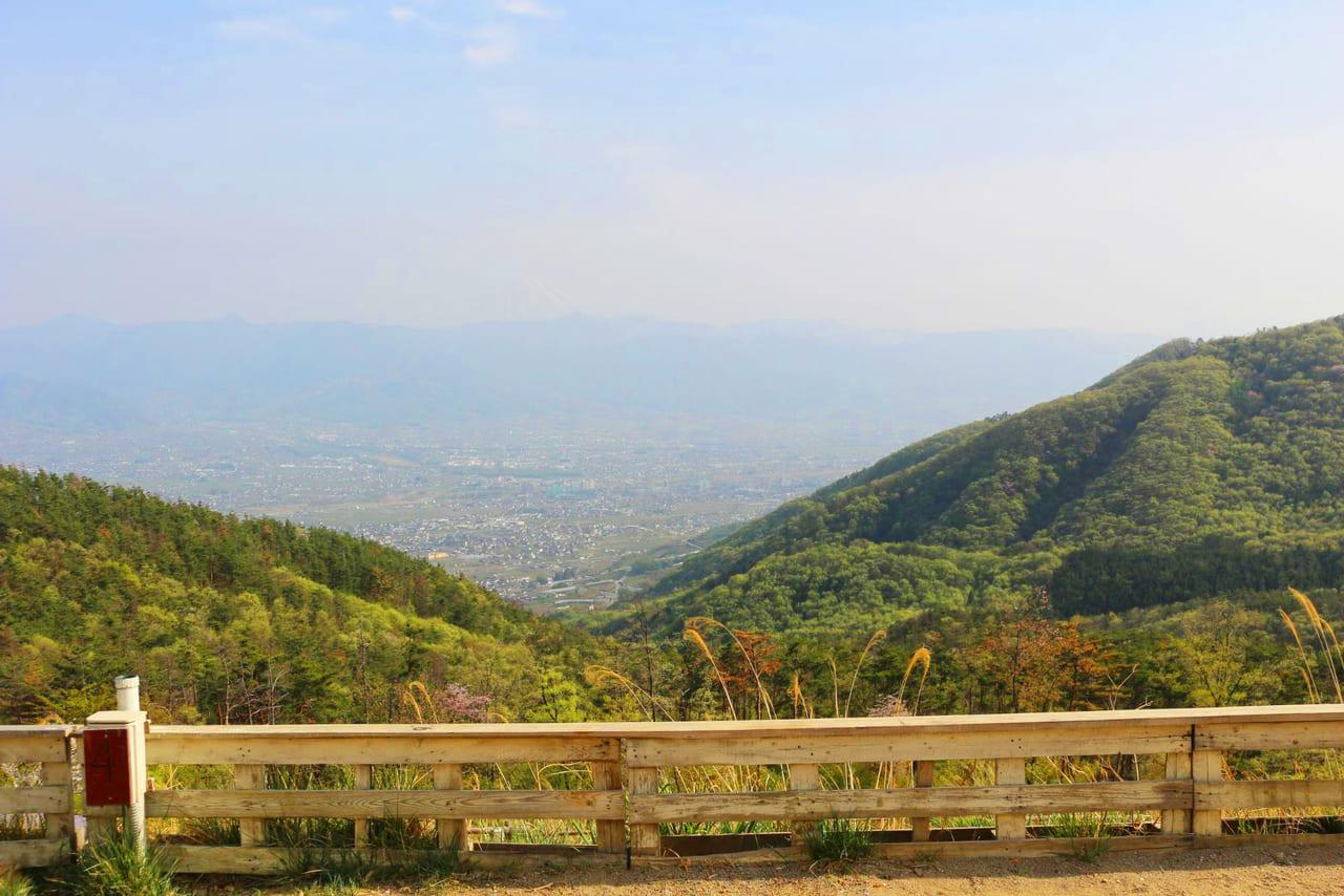 ほったらかしキャンプ場から見る甲府盆地