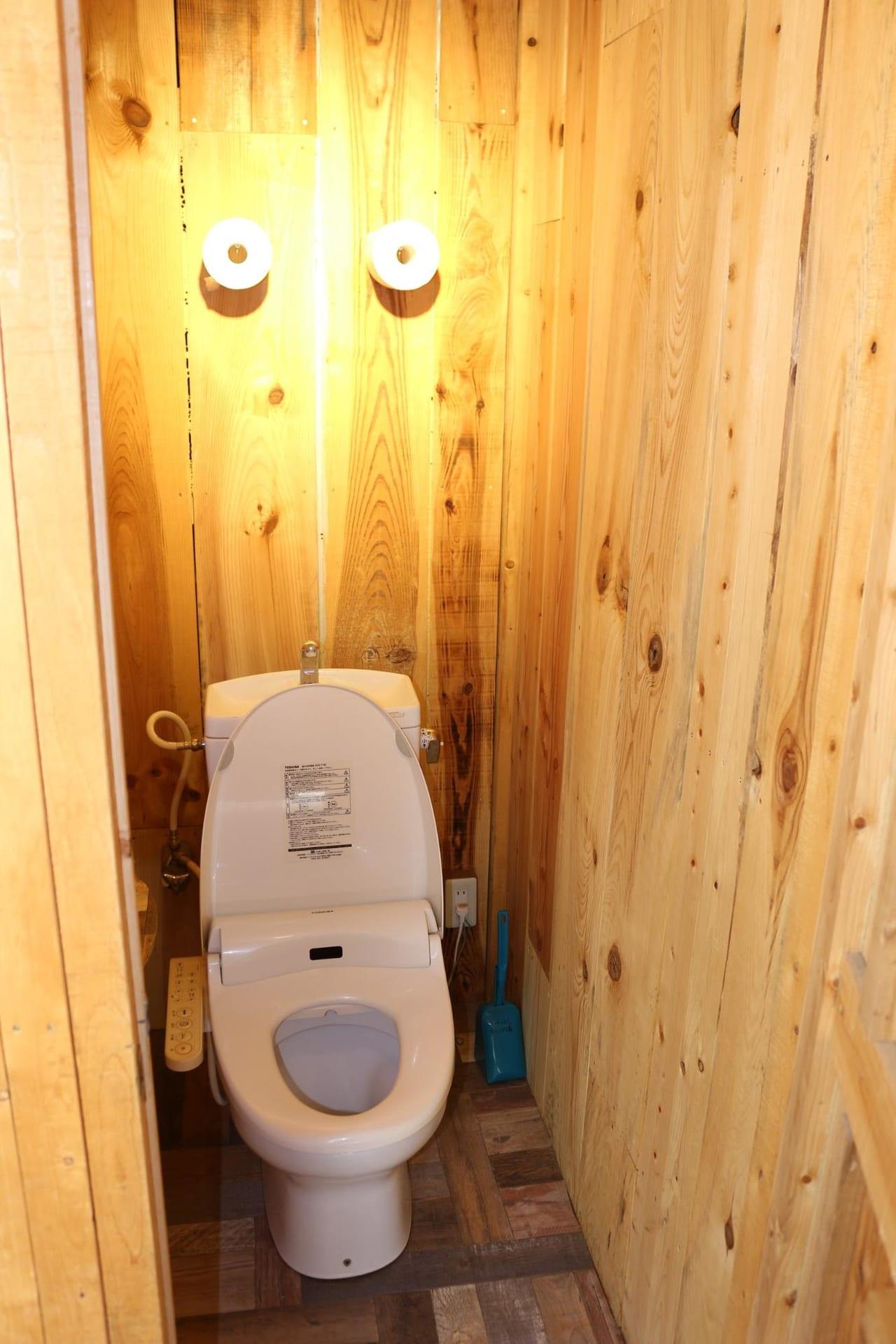 ほったらかしキャンプ場のトイレの中