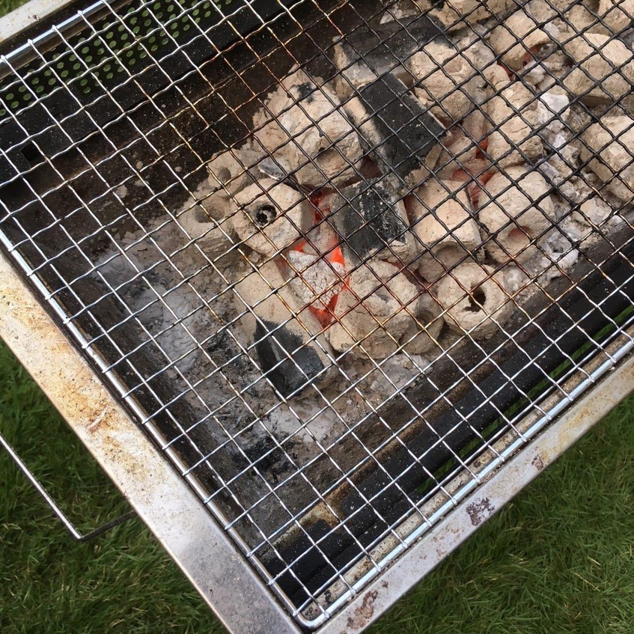 /オガ備長炭は長持ち過ぎて火が消えてくれない