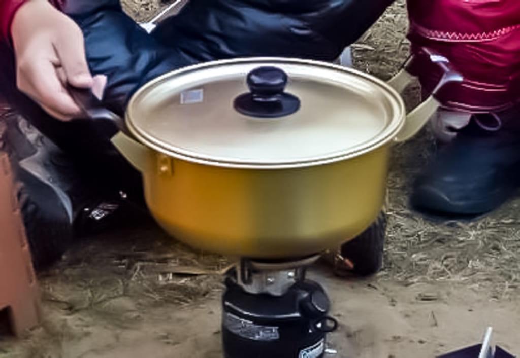 /ガソリンストーブで鍋料理-1024x706