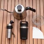 キャンプにおすすめのコンパクトコーヒーミルと4つのセット道具