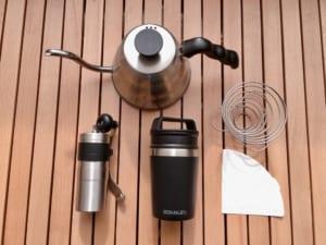 キャンプで本格コーヒーを楽しむ