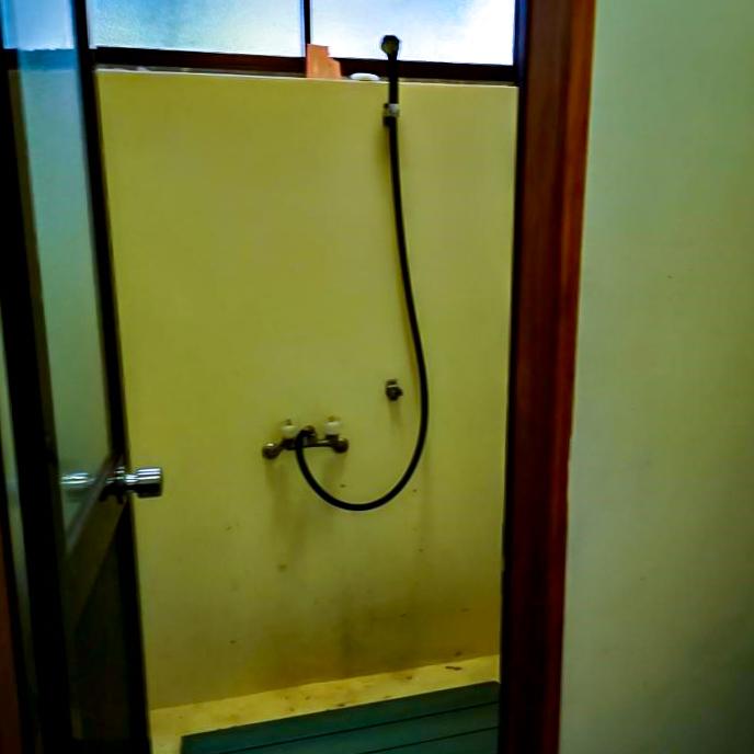 /キャンプ場内のシャワールーム