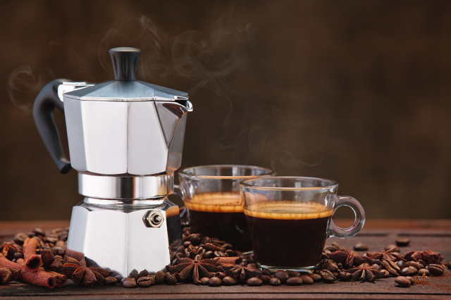 /コーヒー豆とマキネッタ