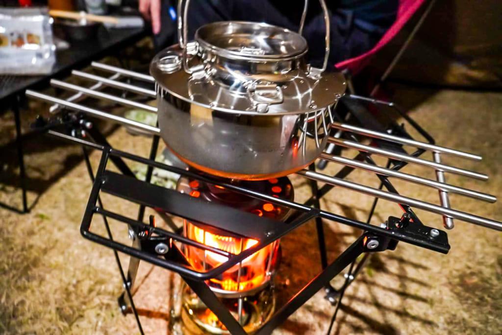 /ストーブで湯沸かし-1024x684