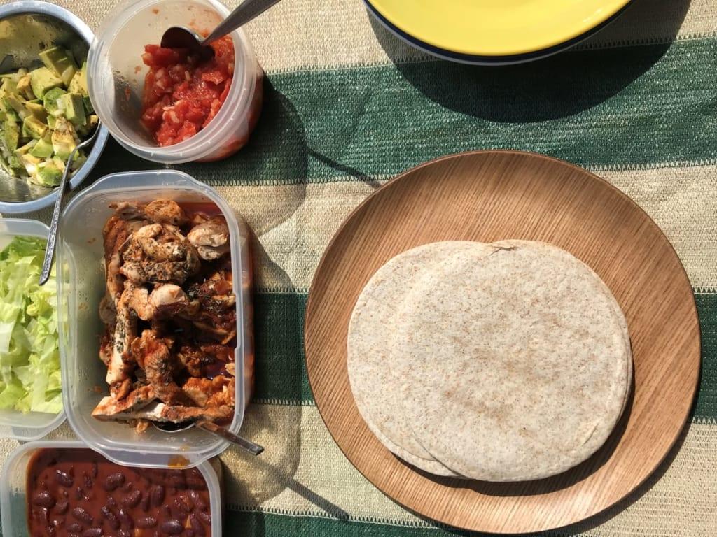 キャンプ飯におすすめ!とびっきり簡単な本格タコスの作り方