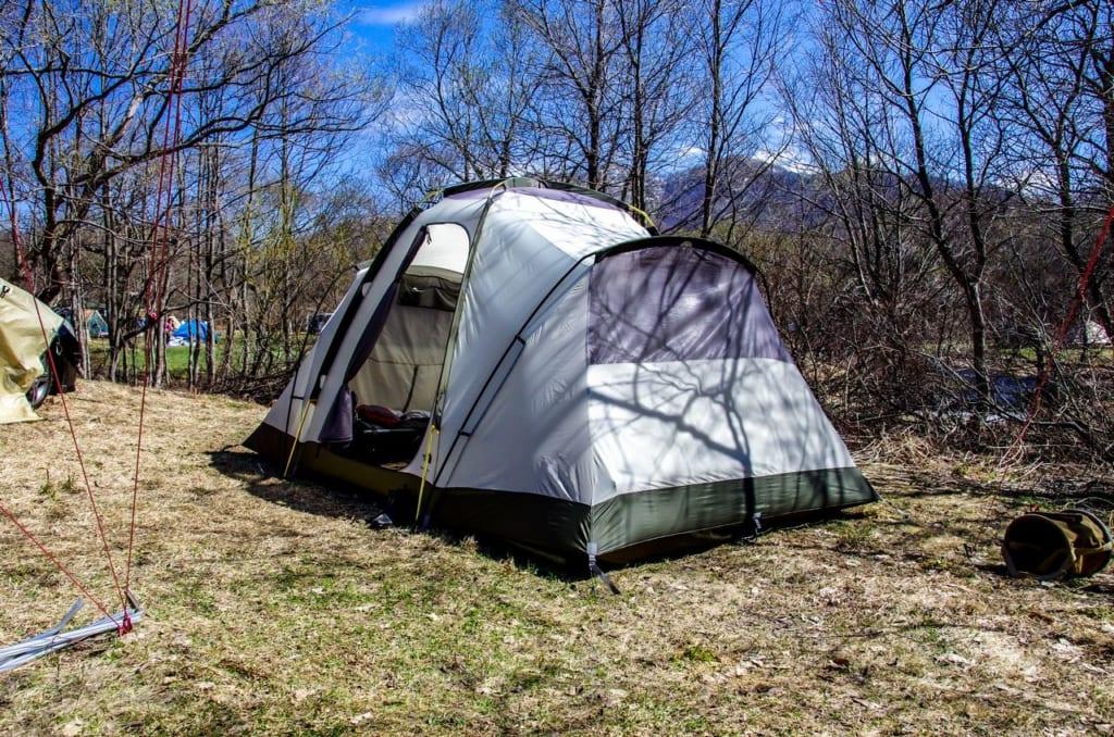 テントの中で立つことができる