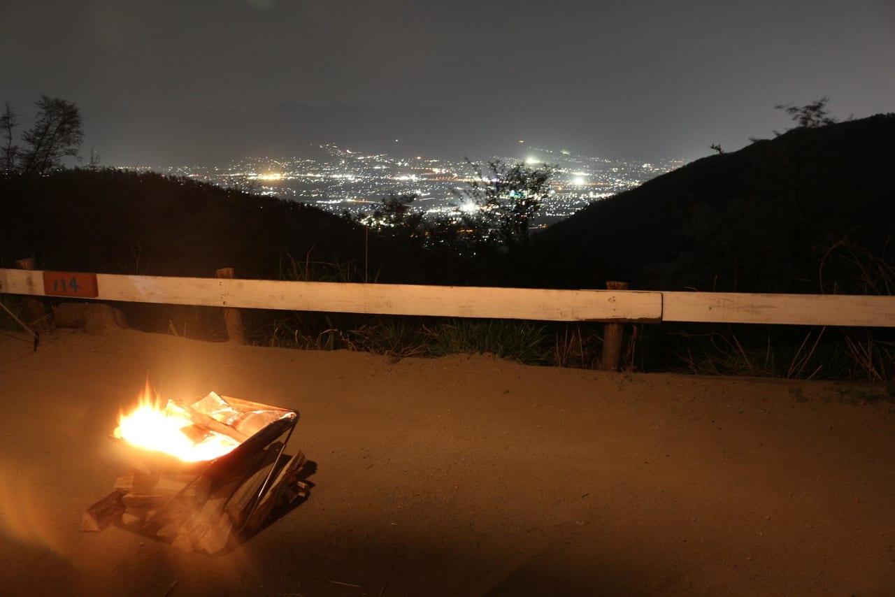 ハナレサイト焚き火と夜景