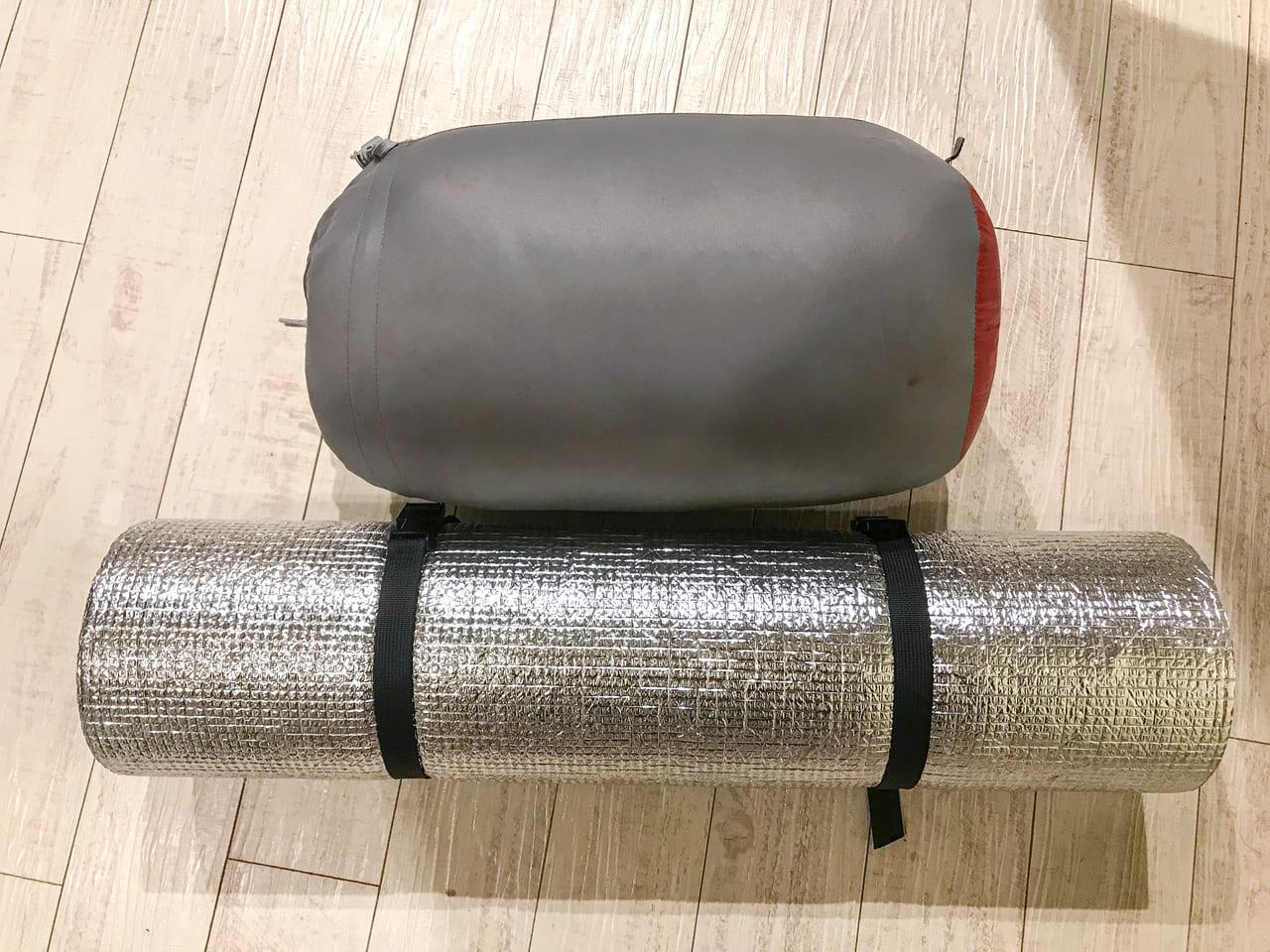 /ハンモックの防寒対策に使用しているマットと寝袋
