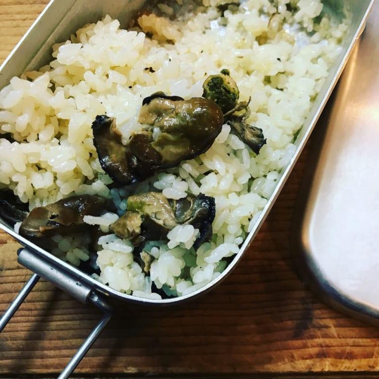 メスティンで作る牡蠣の炊き込みご飯