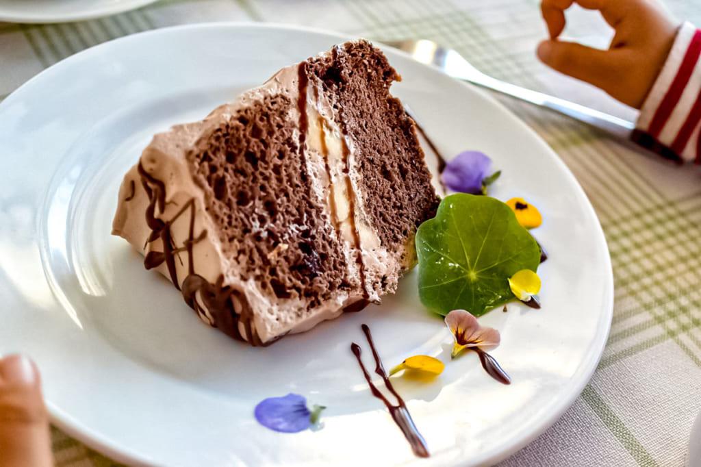 /レストランで注文したケーキ-1024x682