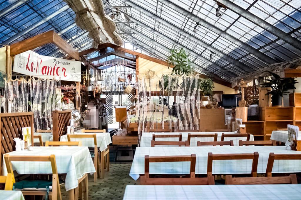 /レストランの内部2-1024x682