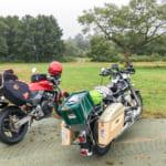 休暇村裏磐梯キャンプ場のサイト前に停めたバイク