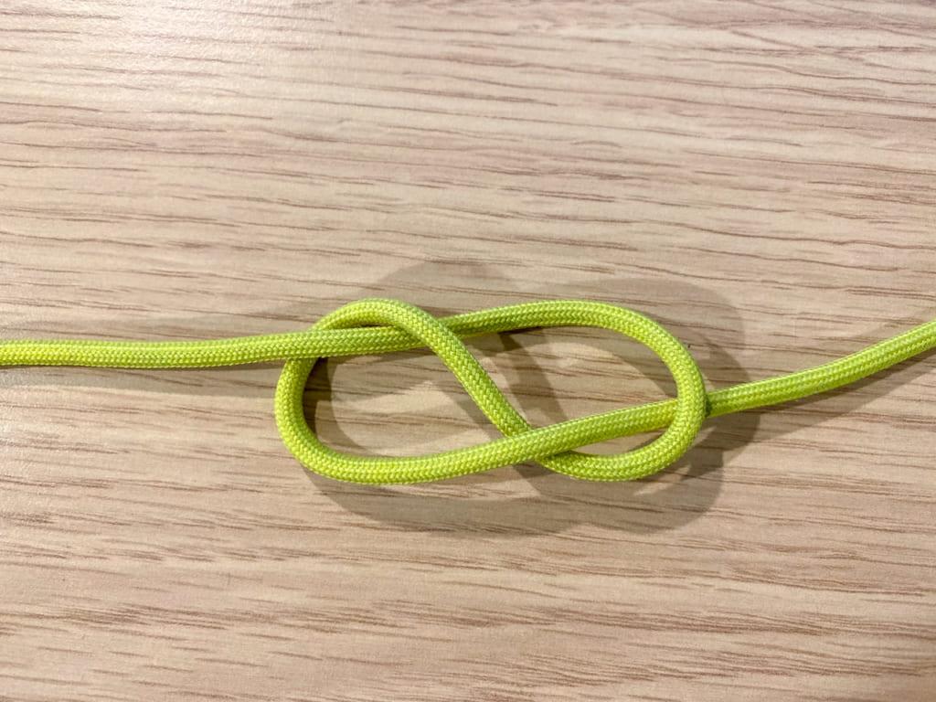 /八の字結びの結び方3-1024x768