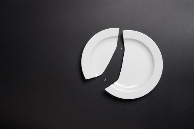 /割れたお皿