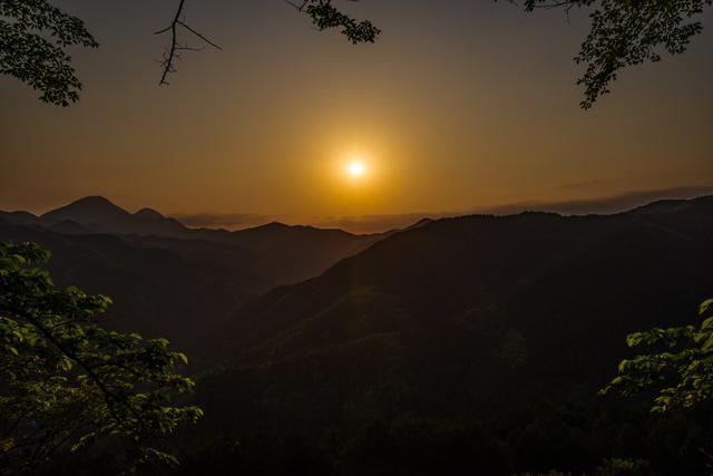 /夕方の山