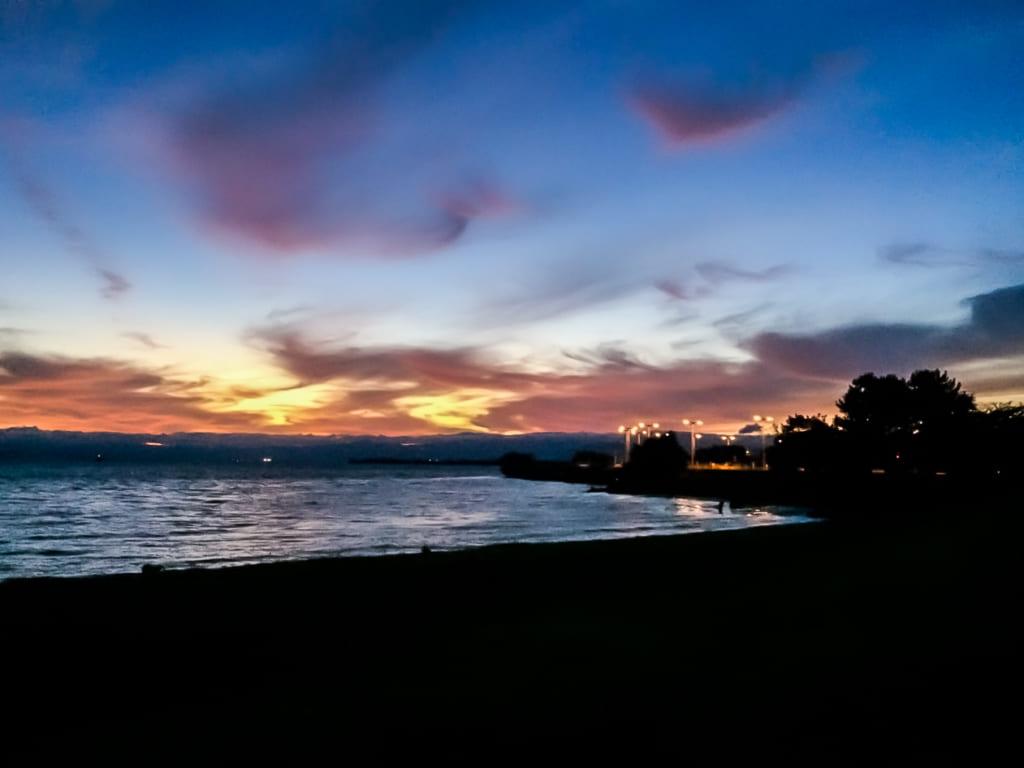 /夕暮れ時の琵琶湖-1024x768