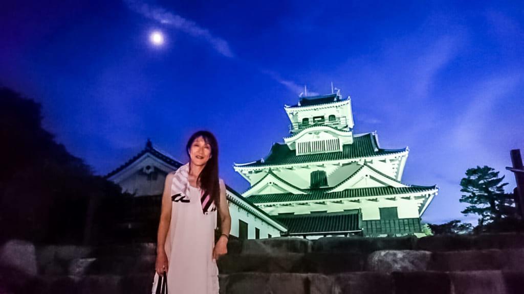 /夜の彦根城で記念撮影-1024x576