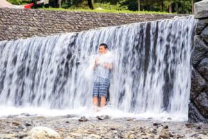 大津谷公園キャンプ場で滝行に挑戦