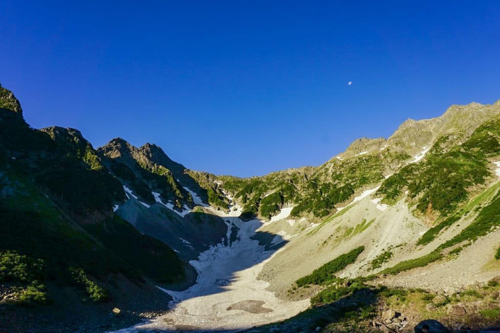 /日が昇り緑色に戻った穂高岳-1024x682