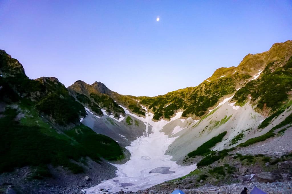 /朝日が当たる穂高岳-1024x682