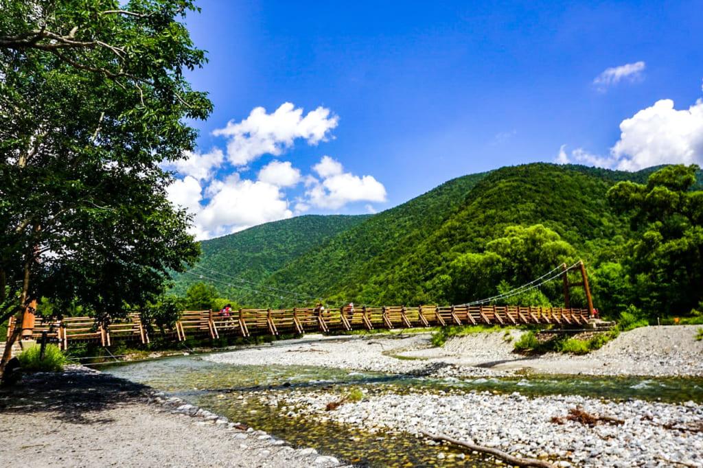 /木製の明神橋-1024x682