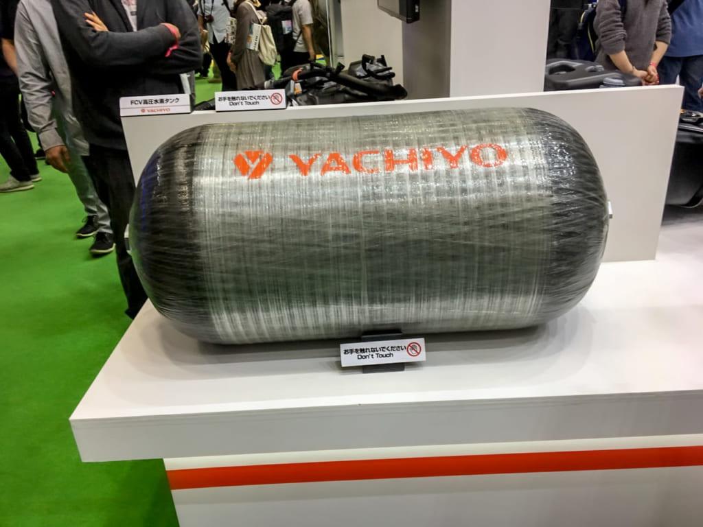 /東京モーターショーに展示された水素タンク-1024x768