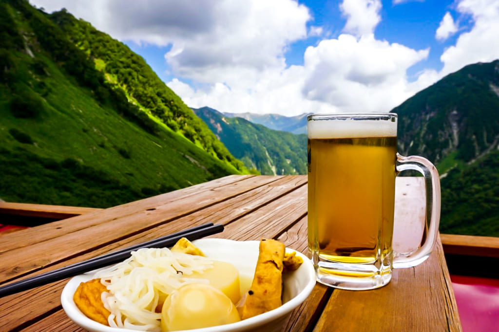 /涸沢のビールとおでん-1024x682