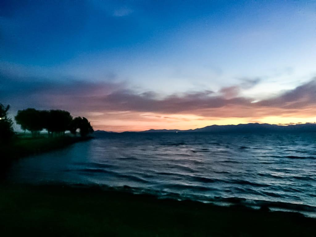 /琵琶湖に夕日が沈む-1024x768