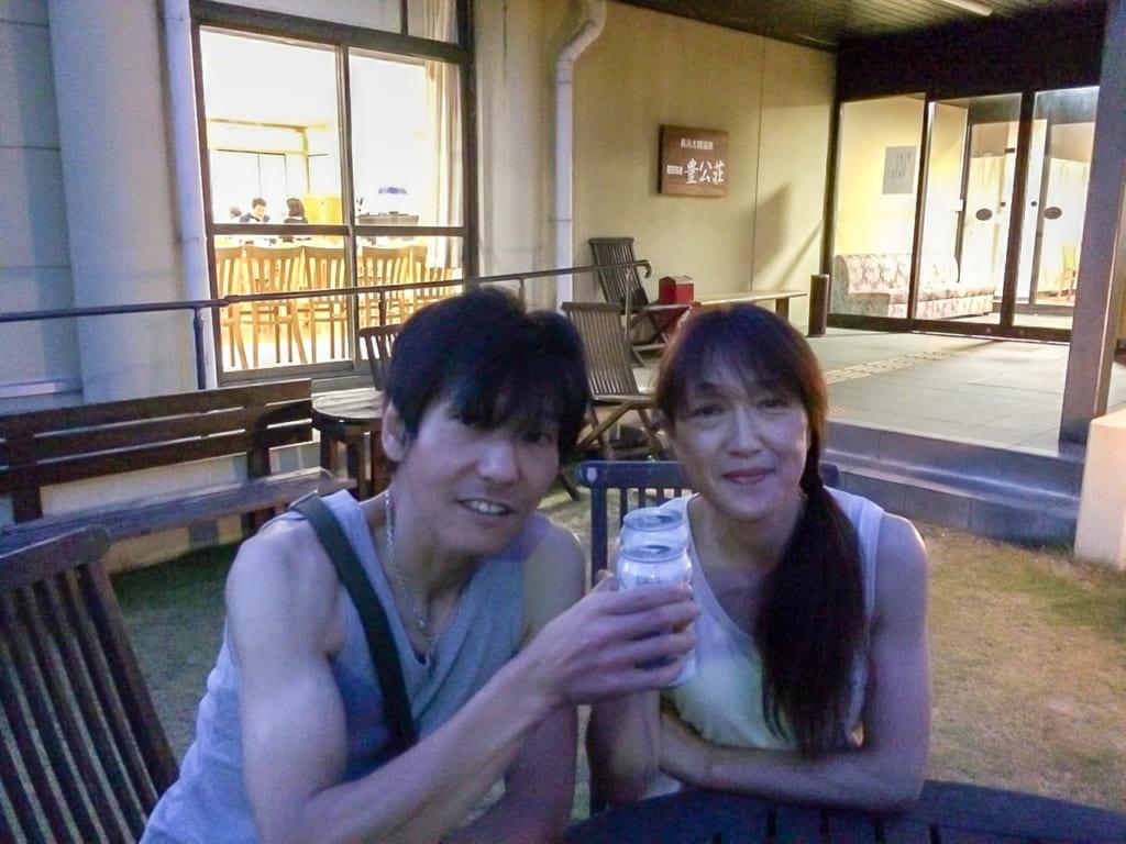 /琵琶湖のほとりで乾杯-1024x768
