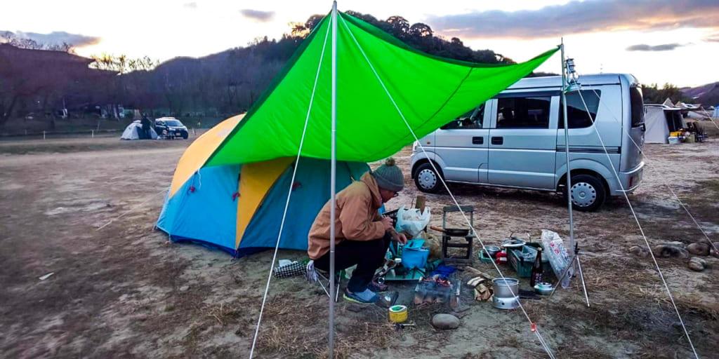 /笠置キャンプ場の川辺サイト-1024x512