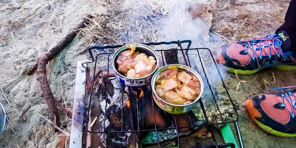 /缶詰を温めるだけのキャンプ飯-1024x512