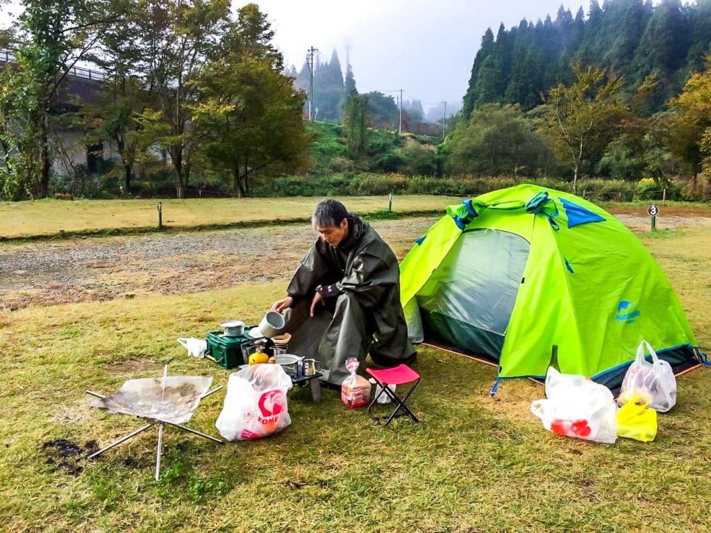 /自立式テントでキャンプ-1-1024x768
