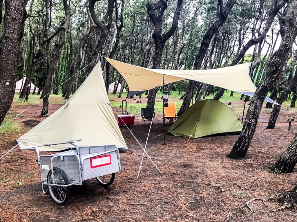 /茅ヶ崎柳島キャンプ場で借りられるリヤカー-1024x767