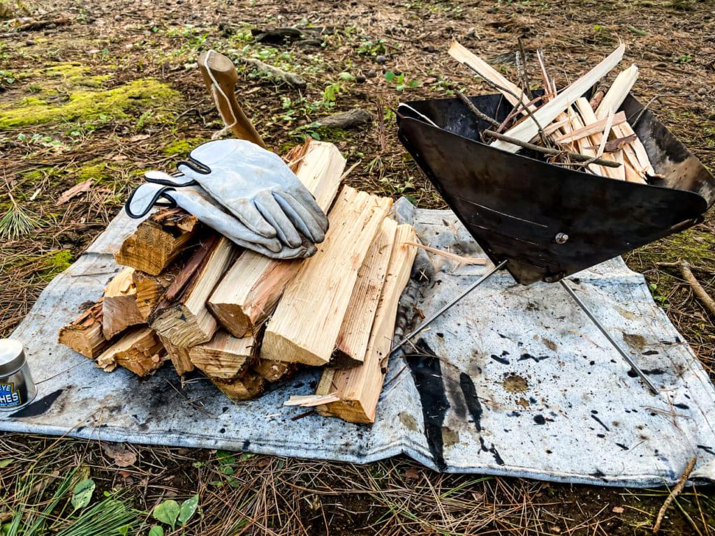 /薪と焚き火台-1024x768