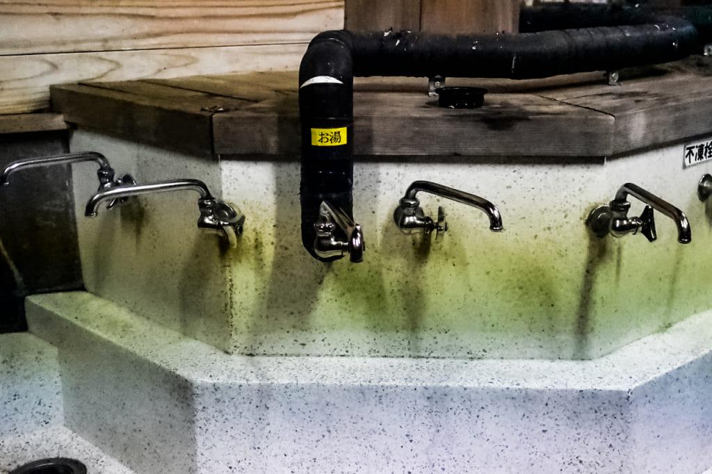 /那須野が原公園オートキャンプ場のお湯の出る蛇口-1024x682