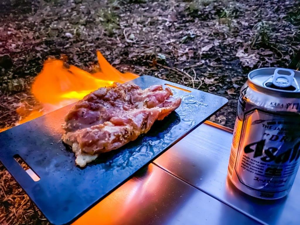 /鉄板で鶏肉の山賊焼きを作る-1-1024x768