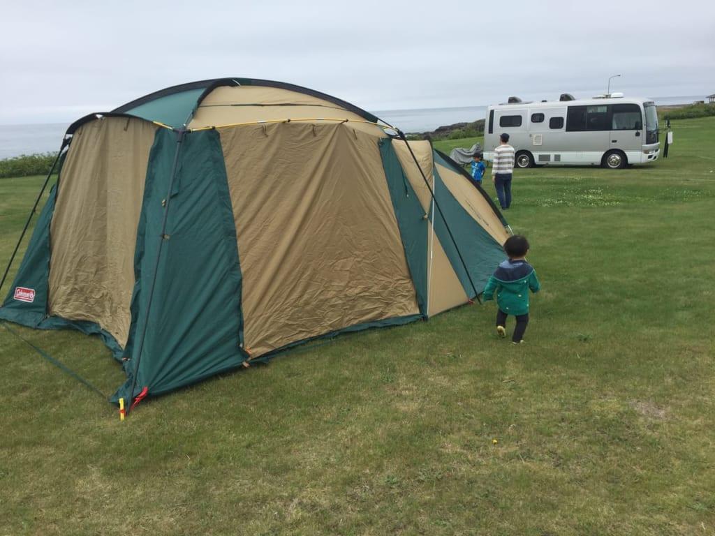 ラウンドスクリーン2ルームハウスを買ったらキャンプが快適すぎる!