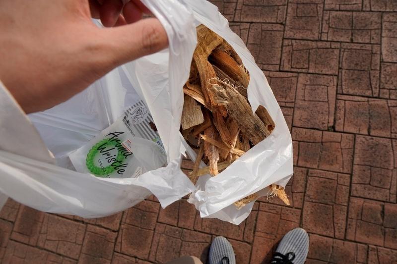 若洲公園キャンプ場で購入した薪