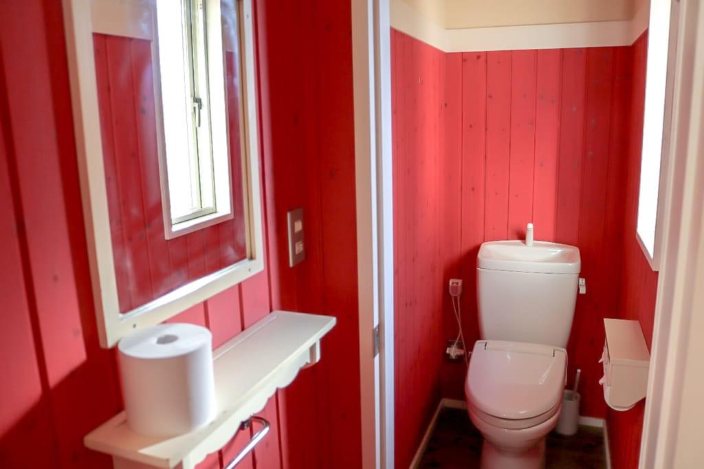 キャビン内のトイレ-1024x682