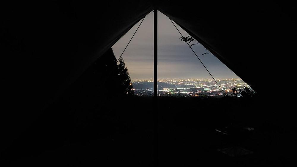 タープ内からの夜景写真2