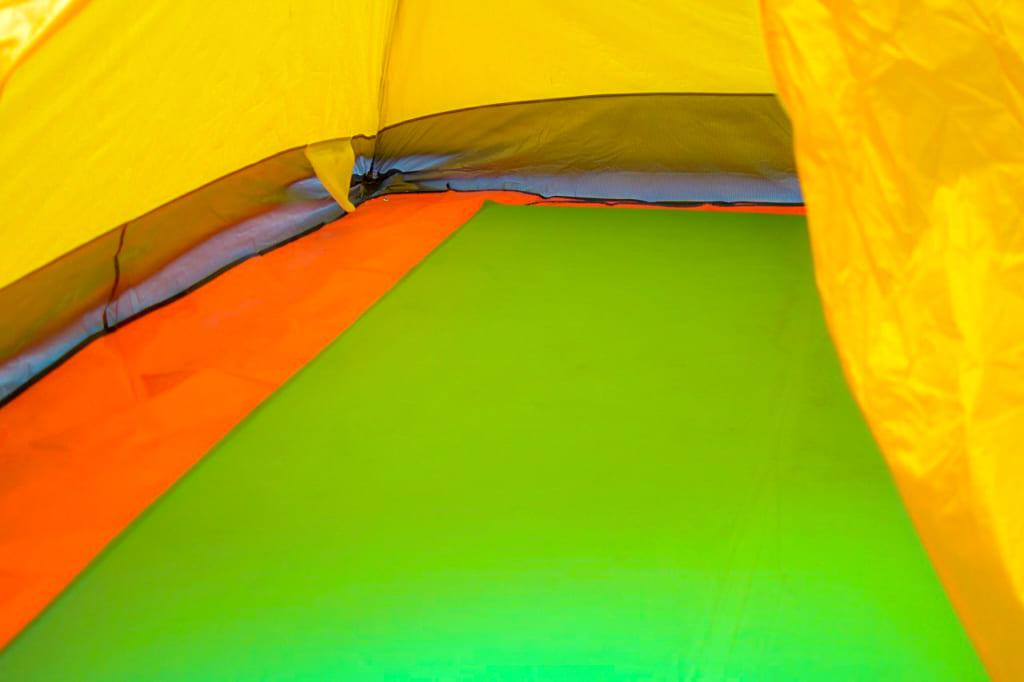 テント内の濡れ対策にインナーシートを追加-1024x682