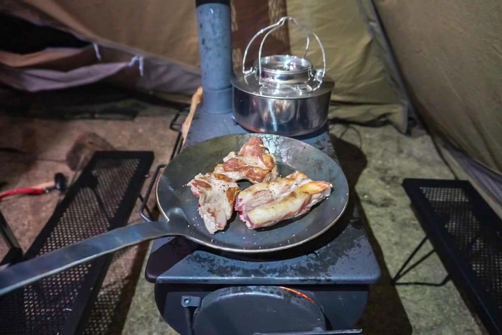 ロキの上部で料理や湯沸かしも可能-1024x685
