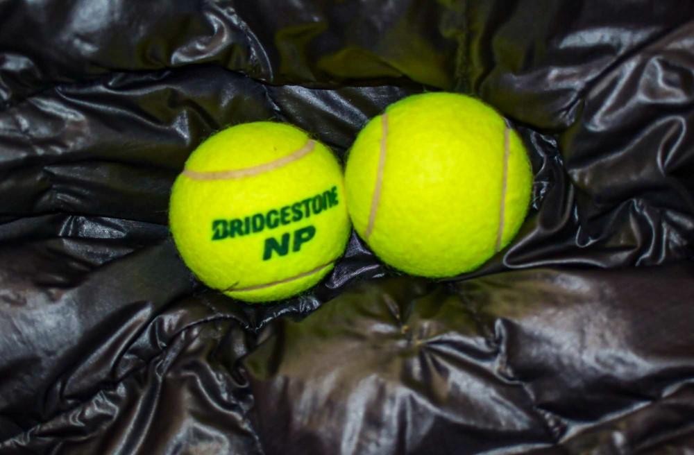 乾燥機の中に入れたテニスボール