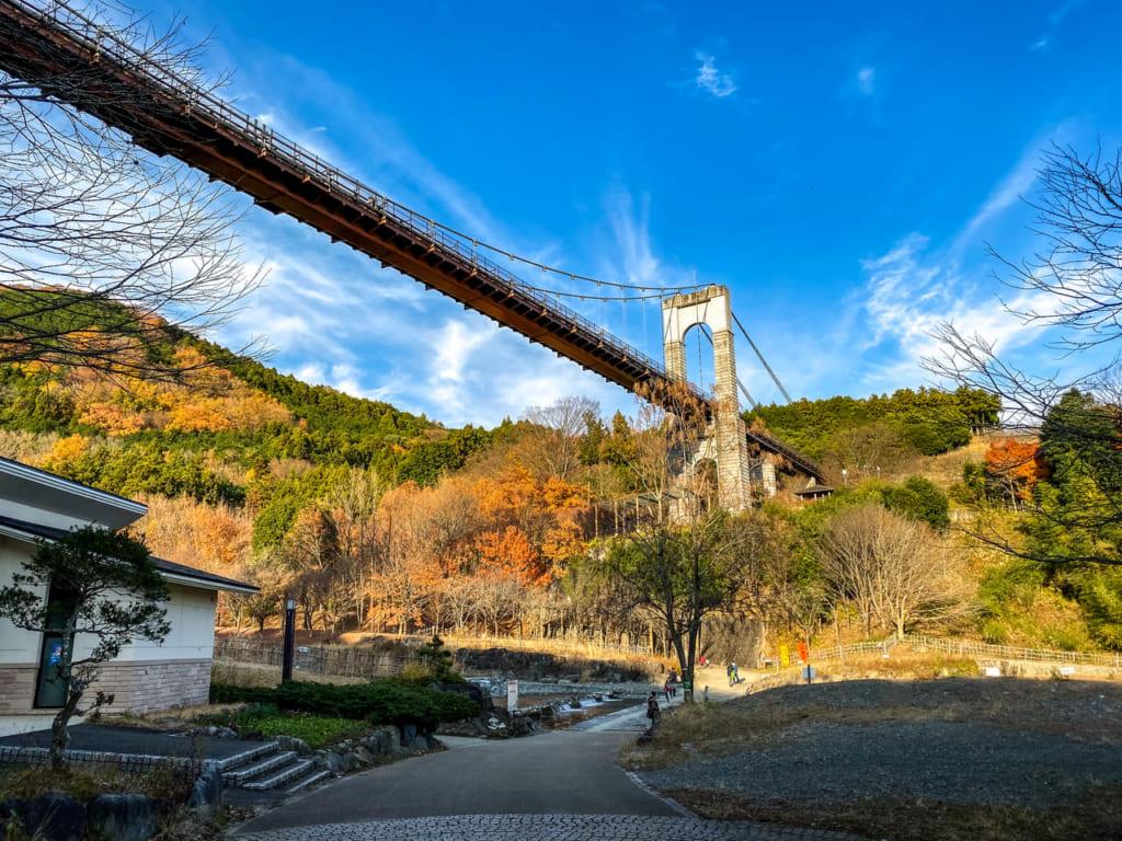 滝沢園キャンプ場の近くにある風の吊り橋-1024x768