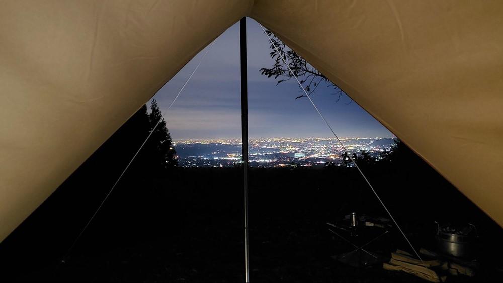 7823-タープ内からの夜景写真