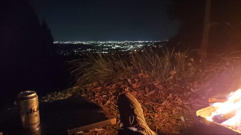 7823-ビールと夜景