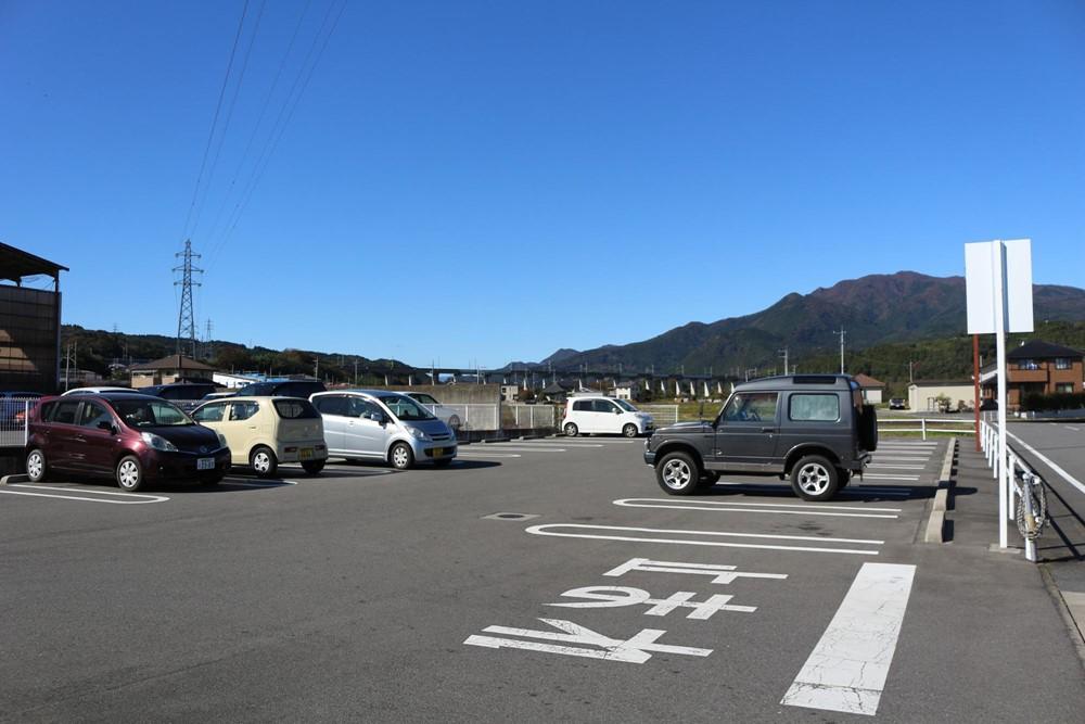 7823-金島温泉富貴の湯の駐車場