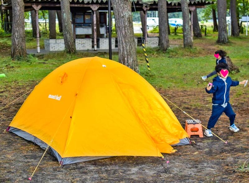キャンプでテンションが上がった子供たち